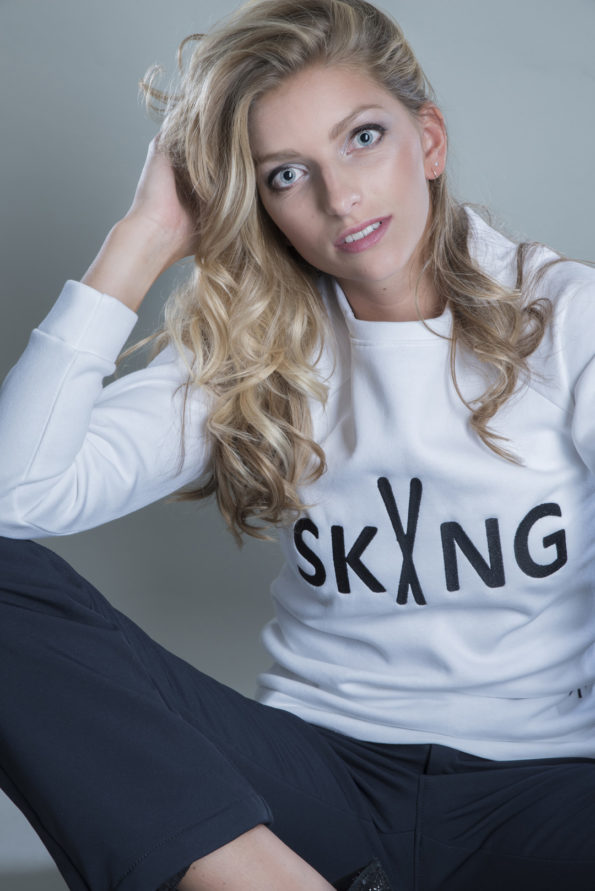 Sweater-skiing-white